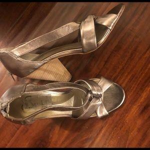 Seychelles platinum metallic heels